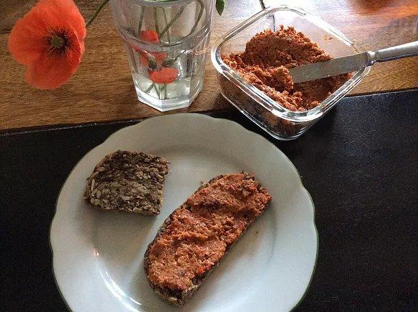 Paprika-Tomaten-Aufstrich